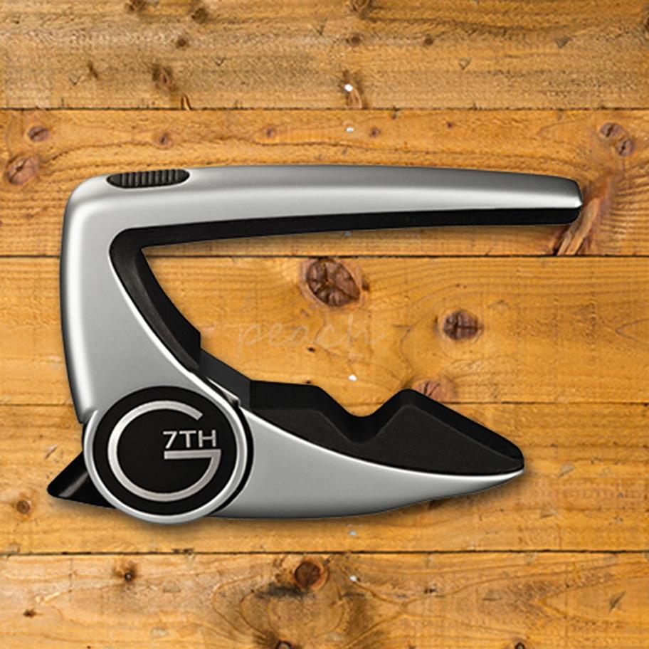 g7th performance 2 capo silver peach guitars. Black Bedroom Furniture Sets. Home Design Ideas