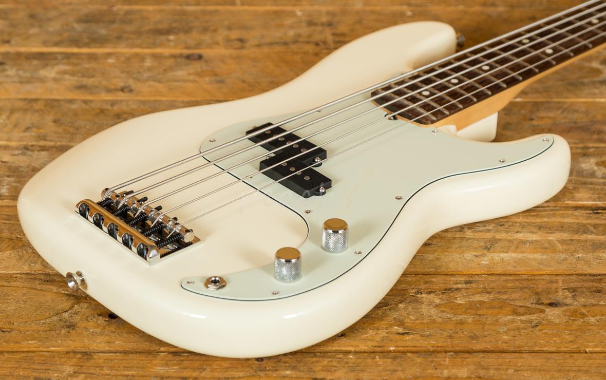 fender american pro p bass v peach guitars. Black Bedroom Furniture Sets. Home Design Ideas