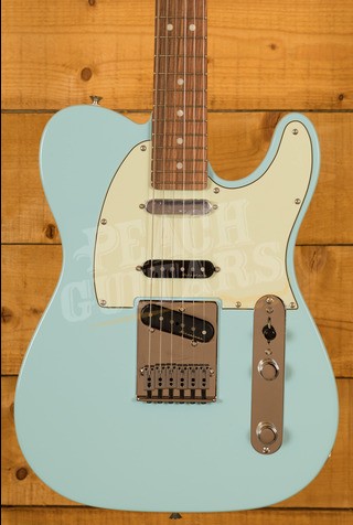 Fender Deluxe Nashville Tele Pau Ferro Daphne Blue