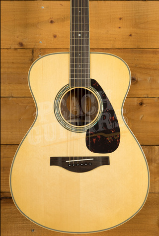 Yamaha LS6 ARE Electro/acoustic with Hard Bag