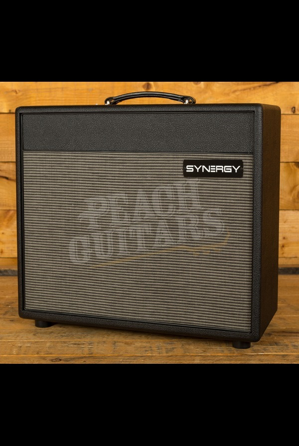 Synergy SYN-30C 3 Channel 30w Combo