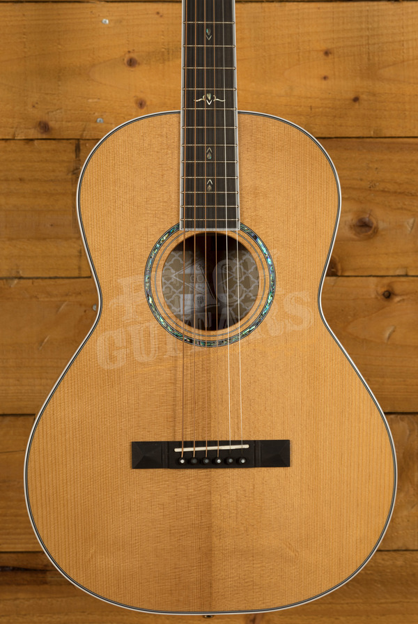 Cort Gold P8 w/Case Natural