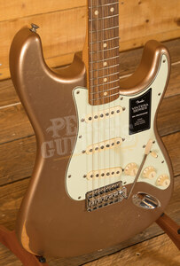 Fender Vintera Road Worn 60's Strat Firemist Gold Pau Ferro