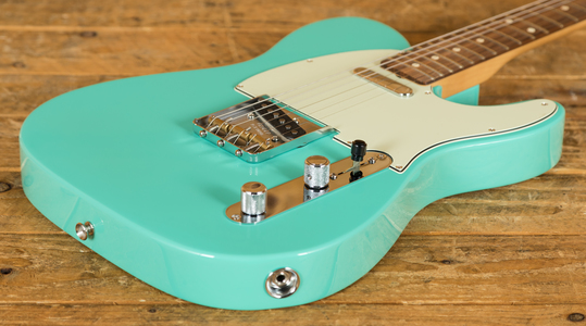 Fender Vintera 60s Tele Mod Pau Ferro Sea Foam Green