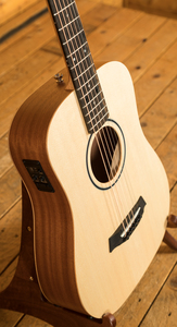Taylor Baby BT1e with ES-B pickup
