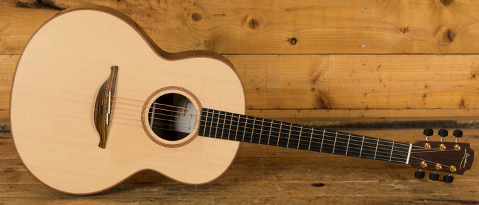 Lowden F-32 - Sitka Spruce & Indian Rosewood