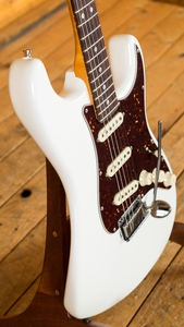 Fender American Ultra Stratocaster Arctic Pearl Rosewood