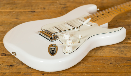 Fender Player Series Strat Maple Neck Polar White