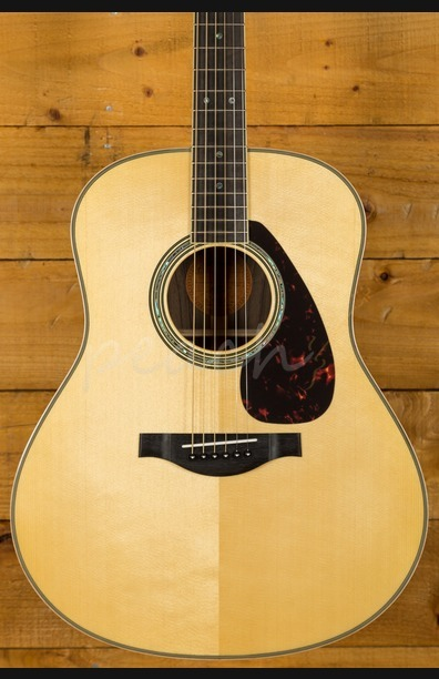 Yamaha LL16 ARE Acoustic Natural With Hard Gigbag