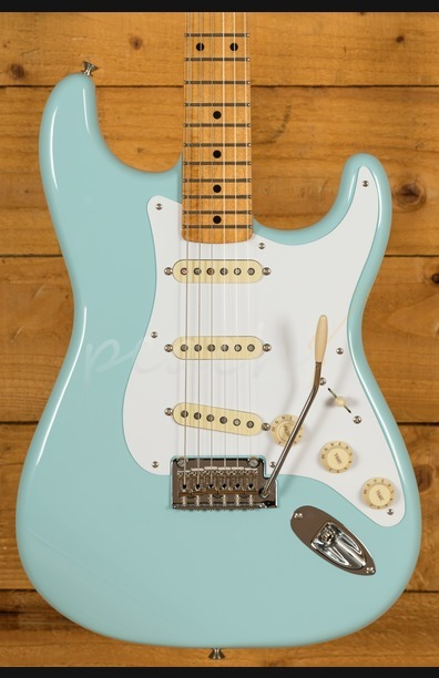 Fender Vintera 50s Strat Mod Maple Neck Daphne Blue